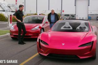 Дизайнер Tesla показав у динаміці новий родстер