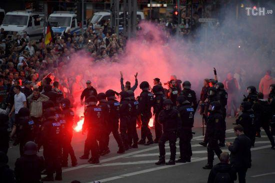 У Німеччині після вбивства чоловіка, в якому підозрюють біженців, почалися заворушення