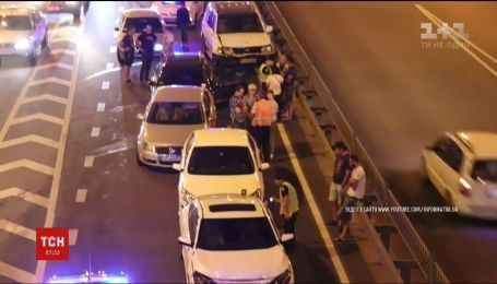На проспекте Победы в Киеве столкнулись сразу семь автомобилей
