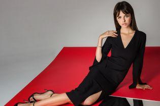 Платья со смелыми декольте и шорты с воланами в осенней коллекции бренда Herstory