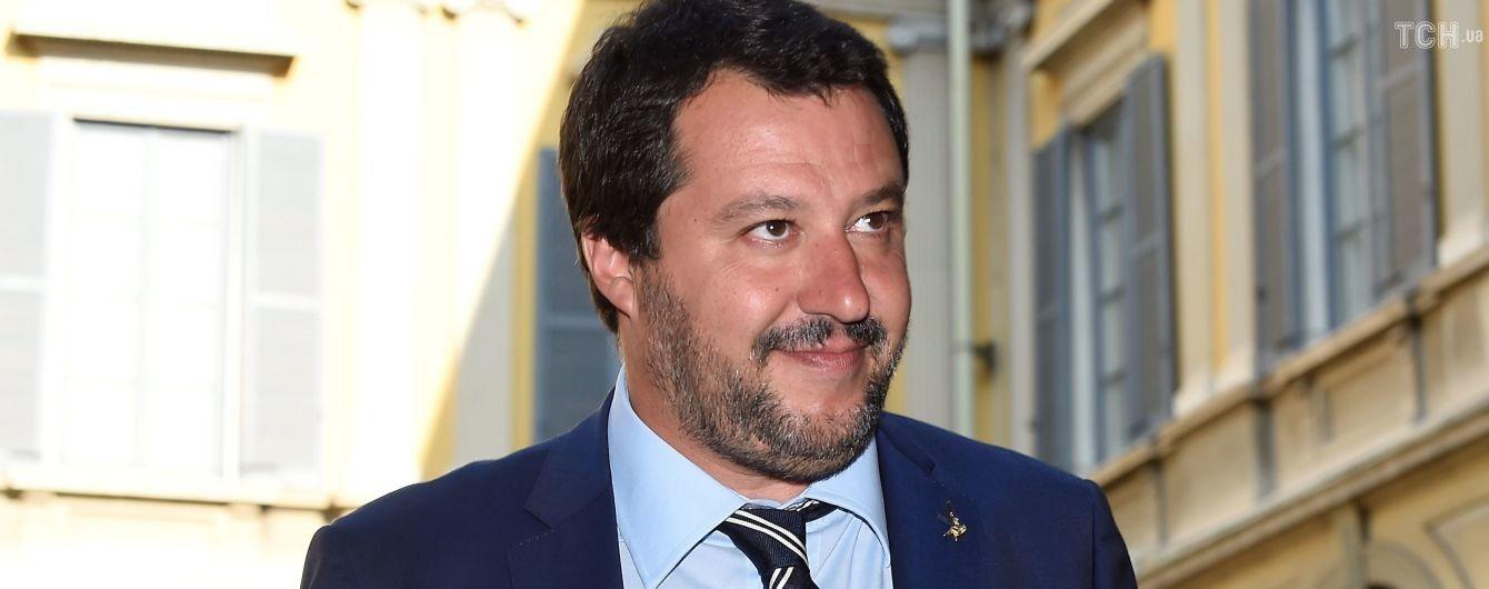 """Помічник скандального очільника МВС Італії пов'язаний із організацією, яка вербувала найманців в """"Л/ДНР"""" - BuzzFeed"""