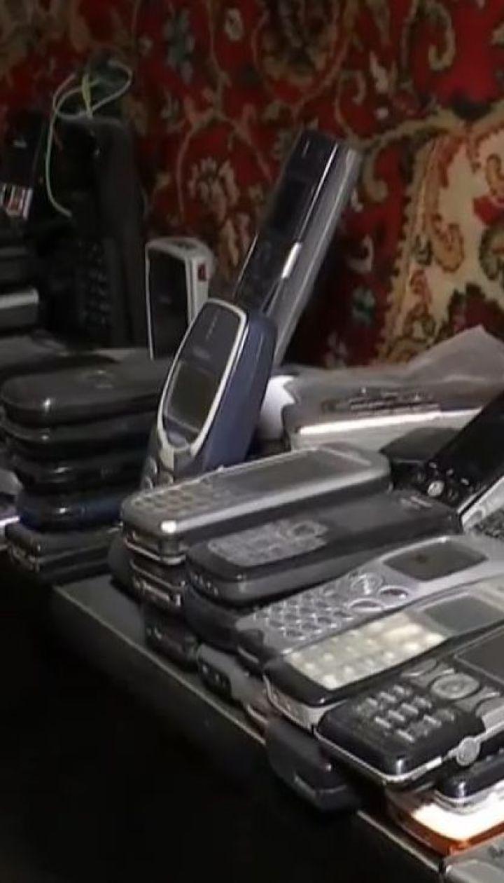 На западе молодежь возвращается к кнопочным телефонам, чтобы не отвлекаться на соцсети