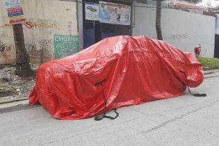 В Филипинах изобрели дождевик для автомобилей, спасающий от потопов