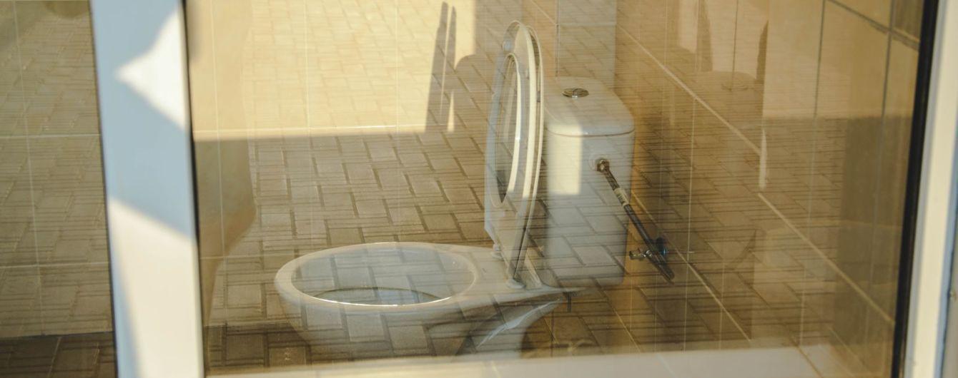 Минобразования взялось искоренить проблему уличных туалетов в школах