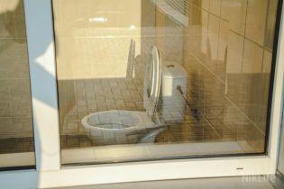 Міносвіти взялося викорінити проблему вуличних вбиралень у школах