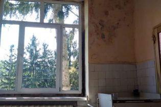 Как из фильма ужасов. В Сети появились шокирующие фото заброшенной больницы в Хусте