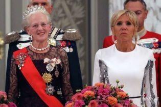 Битва вечерних образов: Брижит Макрон vs королева Маргрете II