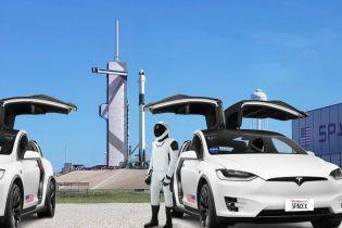 Tesla Model X доставлять космонавтів на нові випробування ракет SpaceX