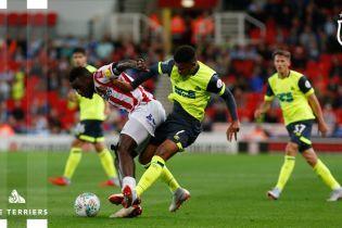 Футболист английского клуба отметил свой дебют невероятным автоголом с центра поля