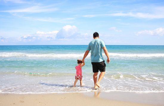 В Україні можуть дозволити татам працювати неповний робочий день для догляду за дитиною