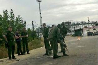 У селищі на кордоні з Україною російські прикордонники посеред вулиці встановили стовпи - Аваков