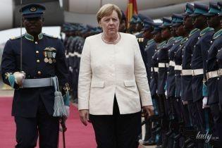 Выбрала классику: Ангела Меркель отправилась в рабочую поездку