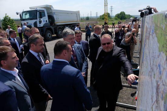 Валентин Резніченко: Вперше Дніпро і Запоріжжя з'єднані автодорогою європейського рівня