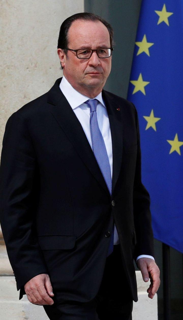 Олланд в мемуарах рассказал, как Путин и Порошенко кричали друг на друга в Минске