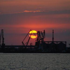 Украина требует от РФ компенсировать 1,24 млрд гривен за утраченное имущество в портах Крыма