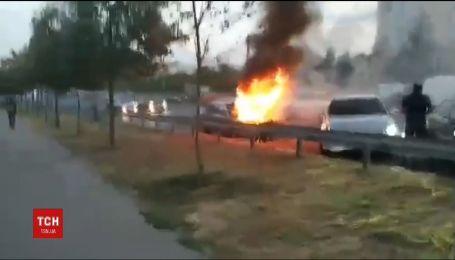 В Харкові на ходу загорілася машина