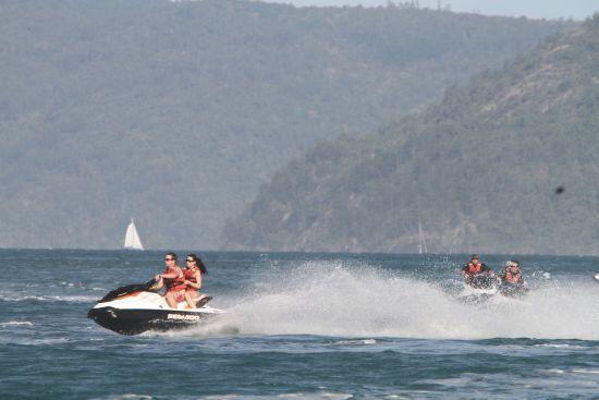 У Чорному морі вибухнув гідроцикл з туристами