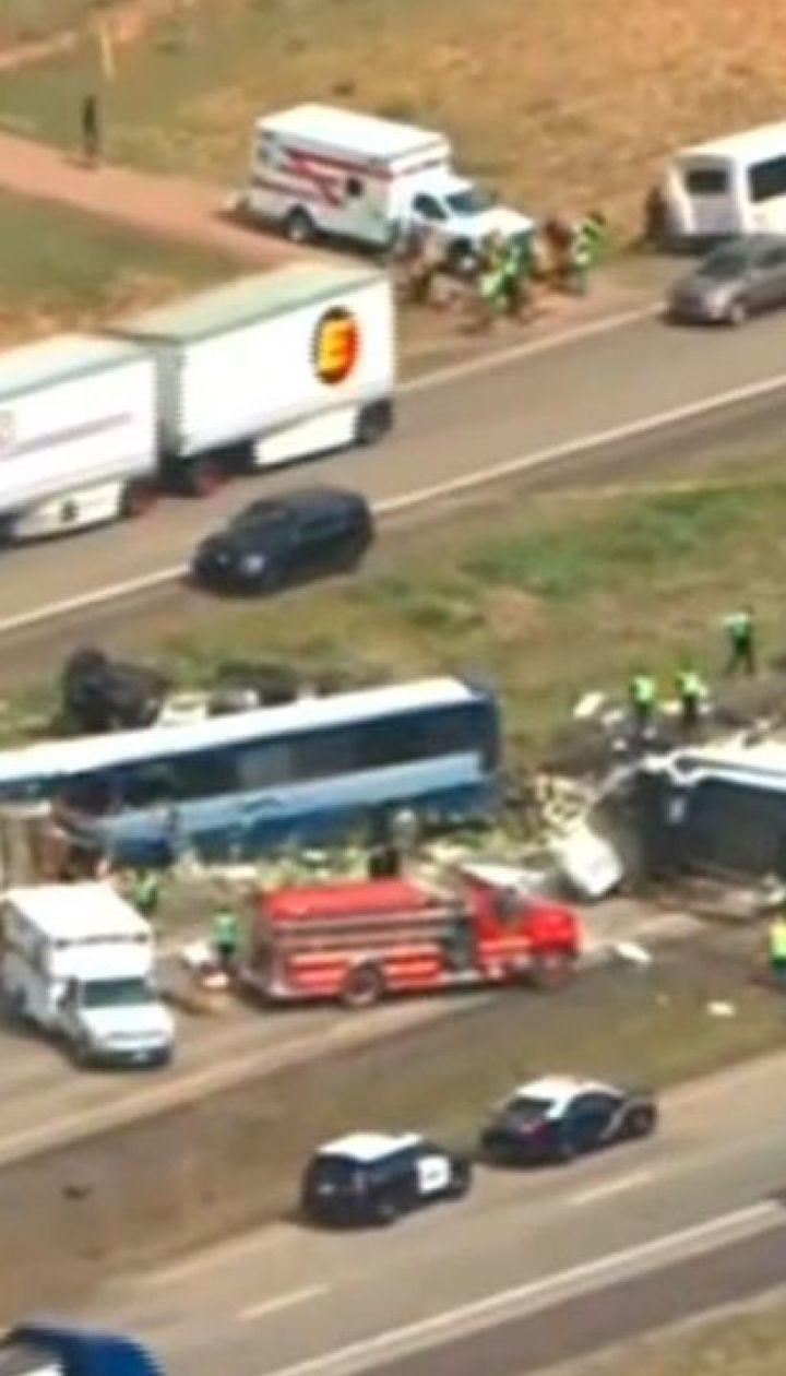 У штаті Нью-Мехіко пасажирський автобус зіткнувся з вантажівкою, є загиблі