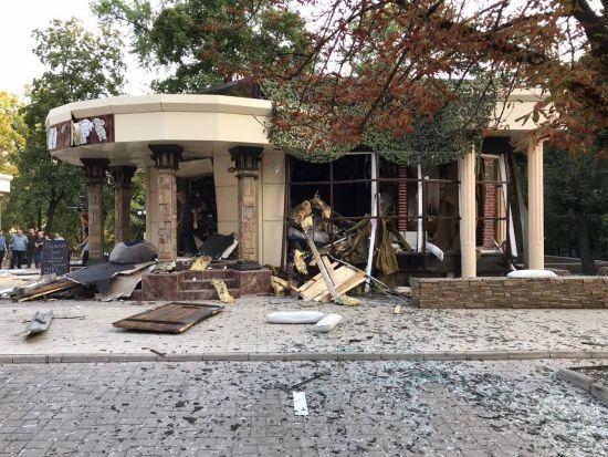 """Російські пропагандисти нарахували 11 постраждалих у донецькому ресторані """"Сепар"""""""
