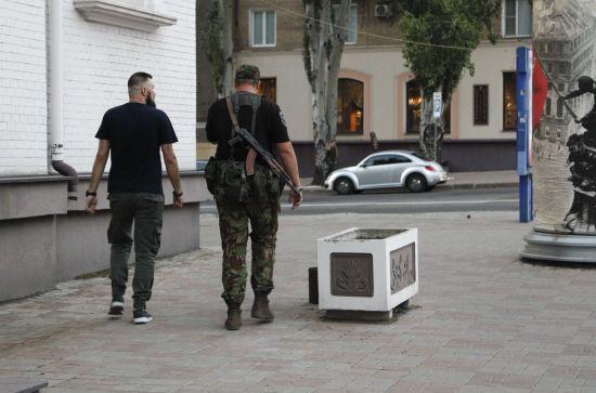 Терористи розпочали зачистки в Донецьку після підриву Захарченка