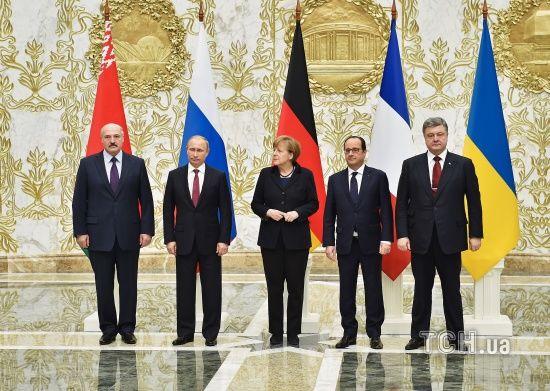 Одкровення Олланда. Екс-президент Франції розкрив таємниці зустрічі з Порошенком, Путіним та Меркель