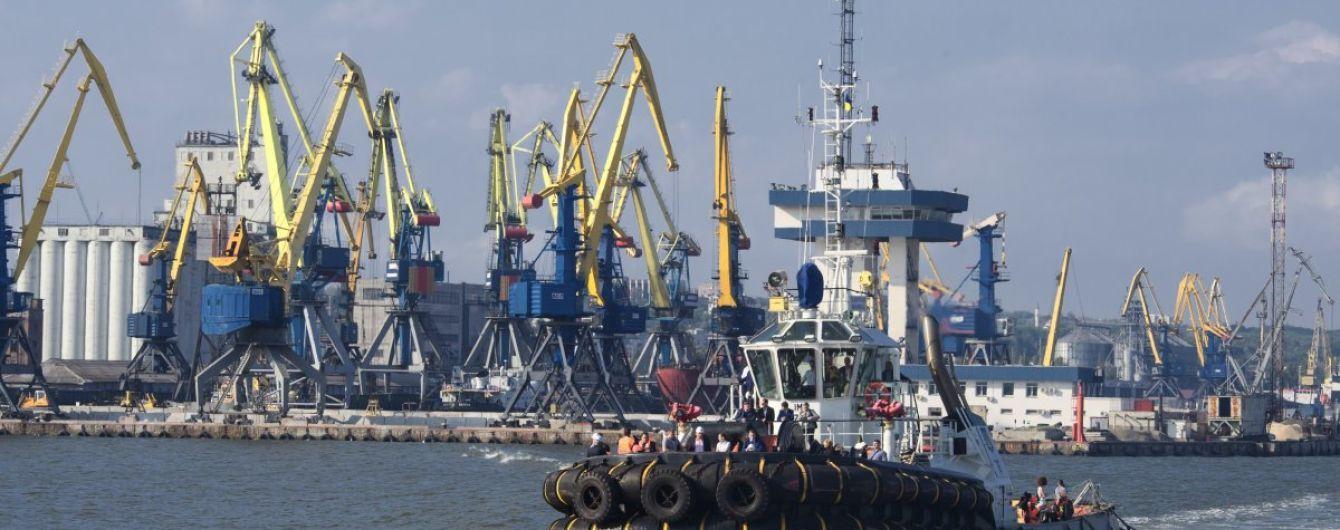 Вблизи Мариуполя в Азовском море разлилась нефть