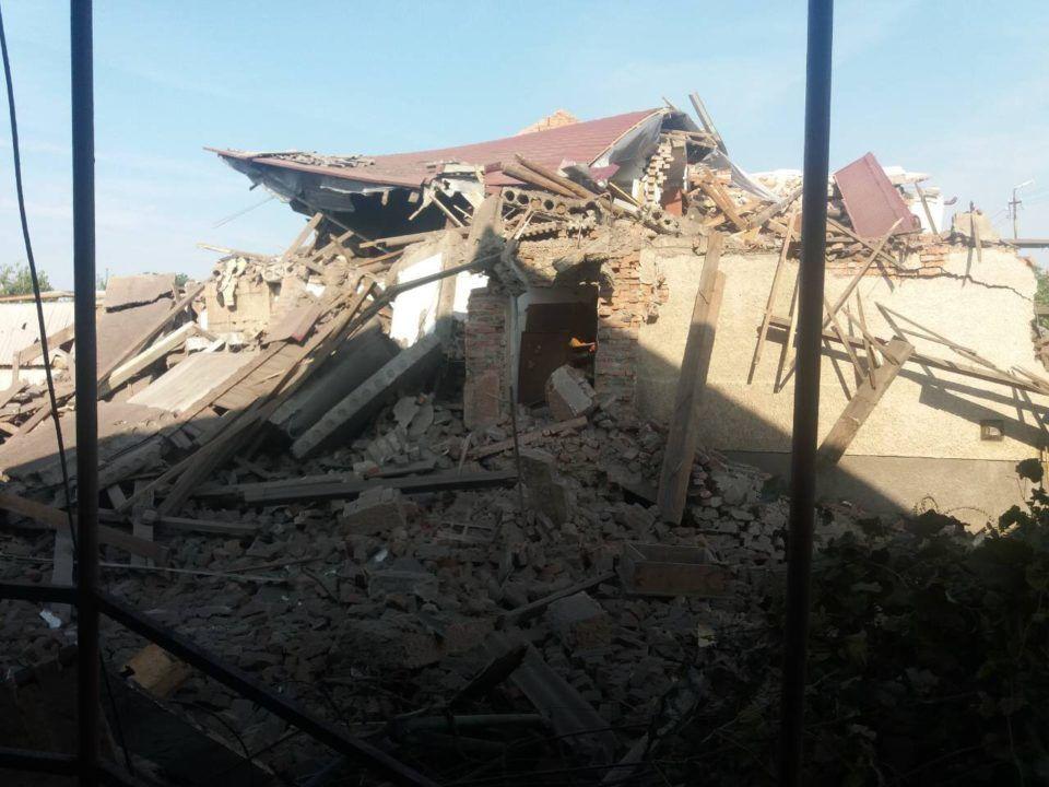 зруйнований будинок