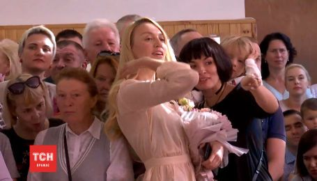 Полякова и Мейхер повели дочерей в первый класс