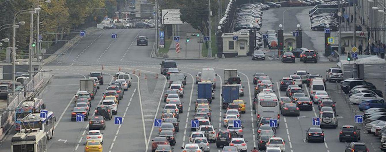 У Росії динамічні дорожні знаки контролюватимуть допустиму швидкість
