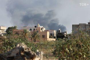 У столиці Лівії запровадили надзвичайний стан через криваві бої, з в'язниці сталася масова втеча