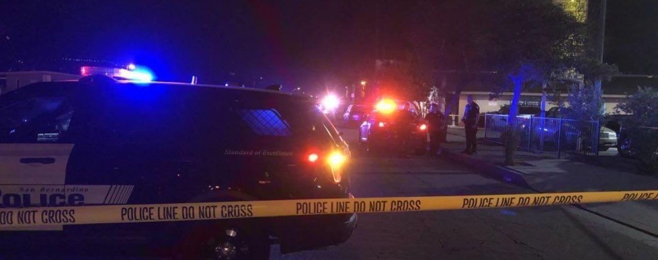 У Каліфорнії невідомий підстрелив десять осіб на території житлового комплексу