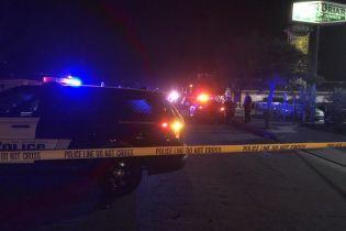 В Калифорнии неизвестный подстрелил десять человек на территории жилого комплекса