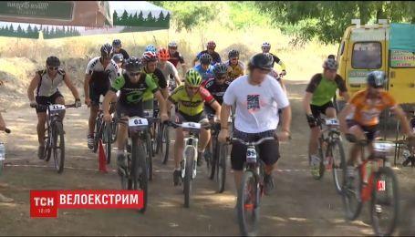 Соревнования по cross-country. В Одессе велосипедисты отметили годовщину города