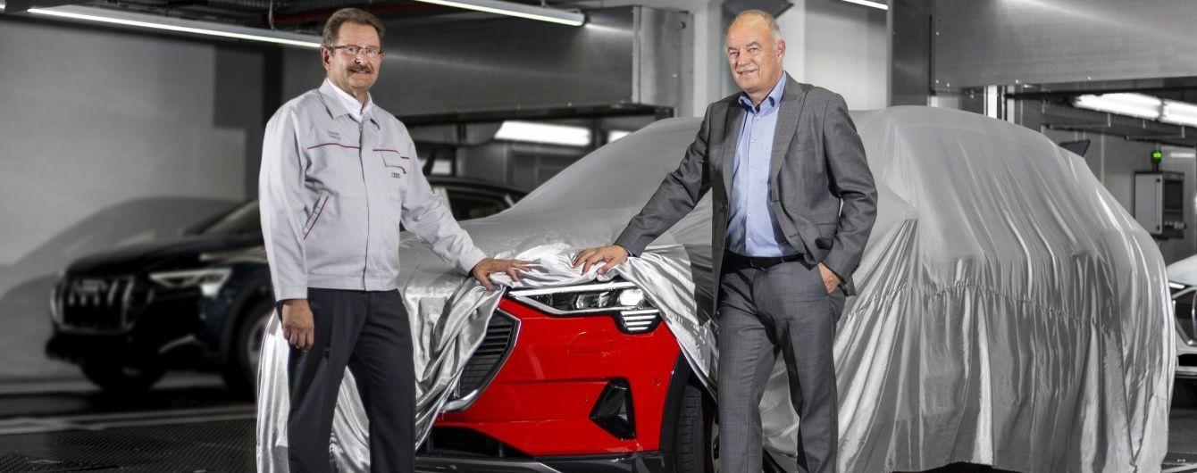 Audi запустили в производство электрический кроссовер