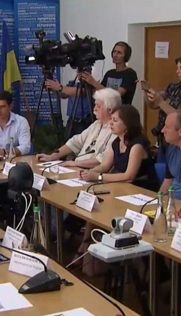 Известные актеры и спортсмены Украины призывают поддержать петицию за освобождение Олега Сенцова
