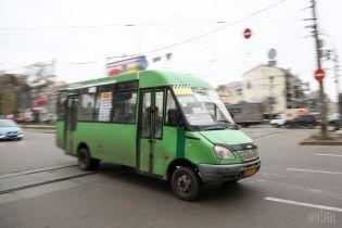 Огромные очереди и переполненные троллейбусы: в Полтаве перевозчики объявили масштабную забастовку