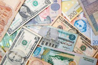 Долар та євро стрімко дорожчають: курс валют на 9 січня