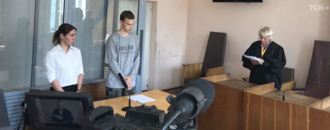 Первокурснику, который порезал ножом других студентов, избрали меру пресечения