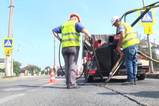 Дороги Львова ремонтируют по новой технологии