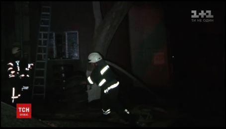 Ймовірною причиною пожежі на СТО в Одесі є вибух газового балону