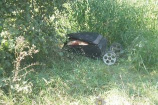 Кривавий сховок: під Києвом на прогулянці з собакою жінка натрапила на валізу із розчленованим тілом