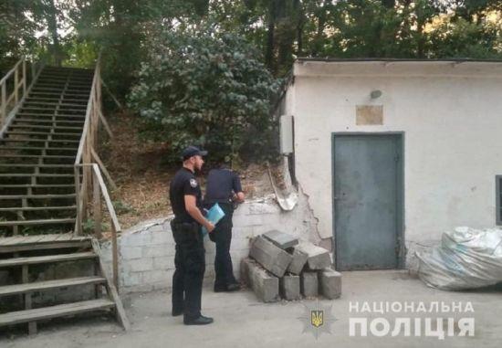 На столичному Печерську сталася стрілянина. Поранено охоронця ринку
