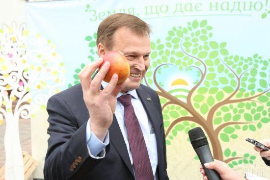 """""""Люди"""" Медведчука хочуть змінити керівництво однієї з партій та зробити її проросійською"""