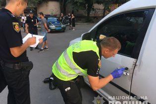 На Ровенщине неизвестные в масках напали на авто и похитили почти 2 млн гривен