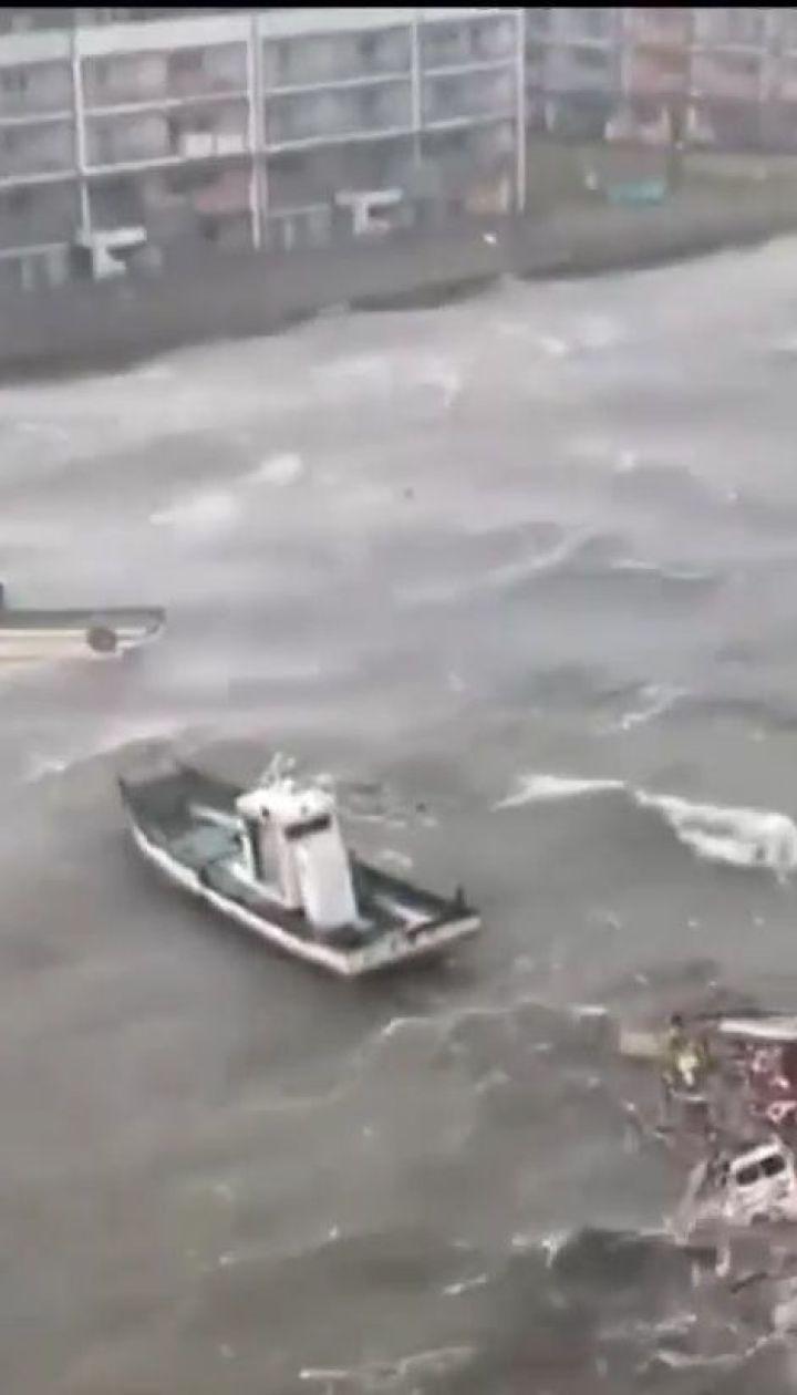 В Японии возросло число жертв мощного тайфуна