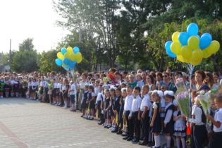 На Одещині через спеку скоротили тривалість уроків у школах