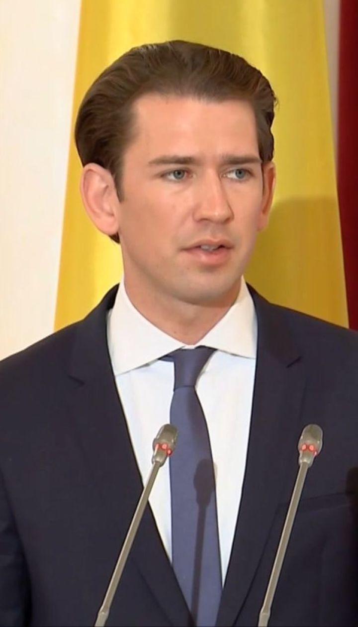 Канцлер Австрии посетил Украину и заявил о поддержке санкций против России
