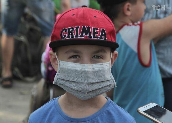 """""""Печія в очах та опіки"""": в окупованому Армянську повідомили про нові викиди"""