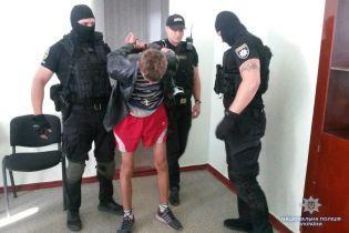 """""""Де бомба? – У голові"""". На Луганщині затримали """"підривника"""", який вимагав переписати історію"""