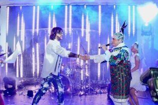 Зажигательные танцы Лорак и поцелуй Киркорова: Верка Сердючка выступила в России